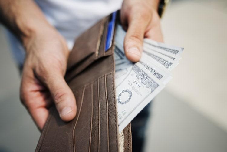 money in wallet-min